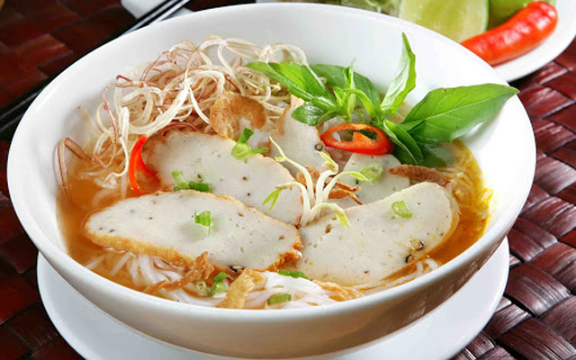 Đặc sản bún chả cá Nha Trang